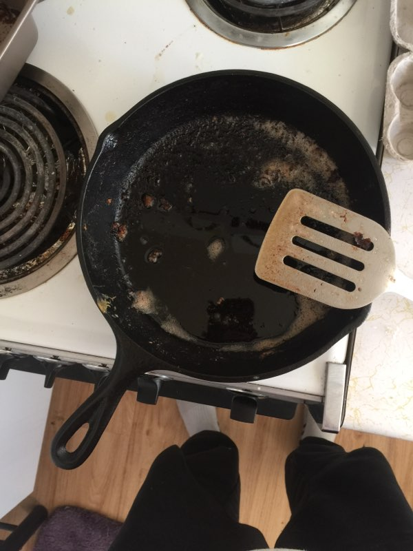 [Thumbnail for 2019_03_03_dirty_cast_iron_skillet.jpg]