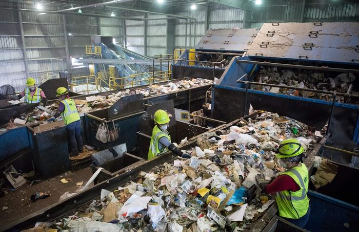 [Thumbnail for RECYCLING-sorting_recycling_material-_Waste_Management_Material_Recovery_Facility-_Elkridge-_Md.-_June_28-_2018_by_Saul_Loeb-_TheIntercept.com.jpg]