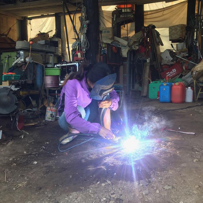 MIMI LEARNING TO WELD:)