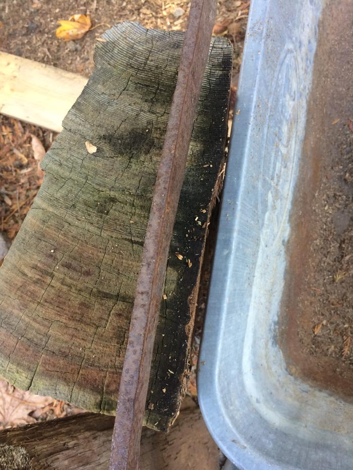 Here are some photos of the froe going into the bolts. I was aiming for about 3/4