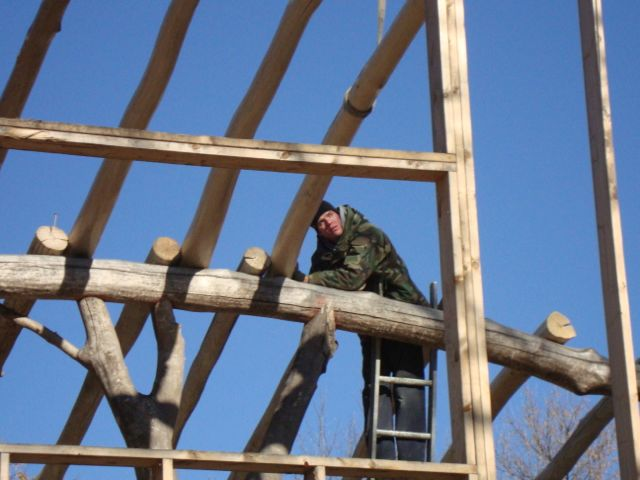 [Thumbnail for Brent-attaching-rafter.jpg]